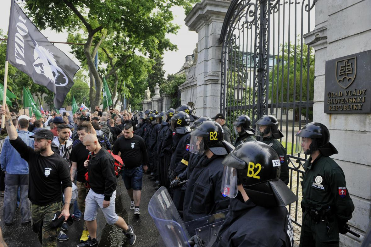 Střety během bratislavské demonstrace
