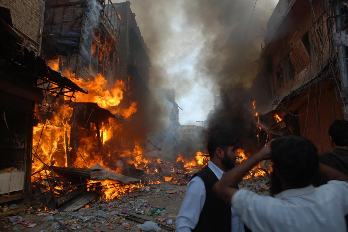 Atentát na tržnici v Péšávaru (2009)