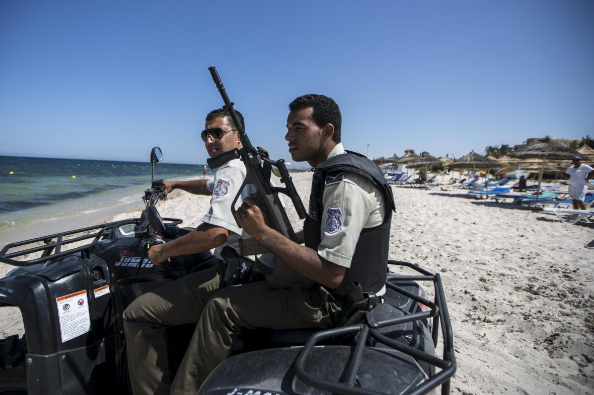 Policie hlídkuje v letovisku Sousse