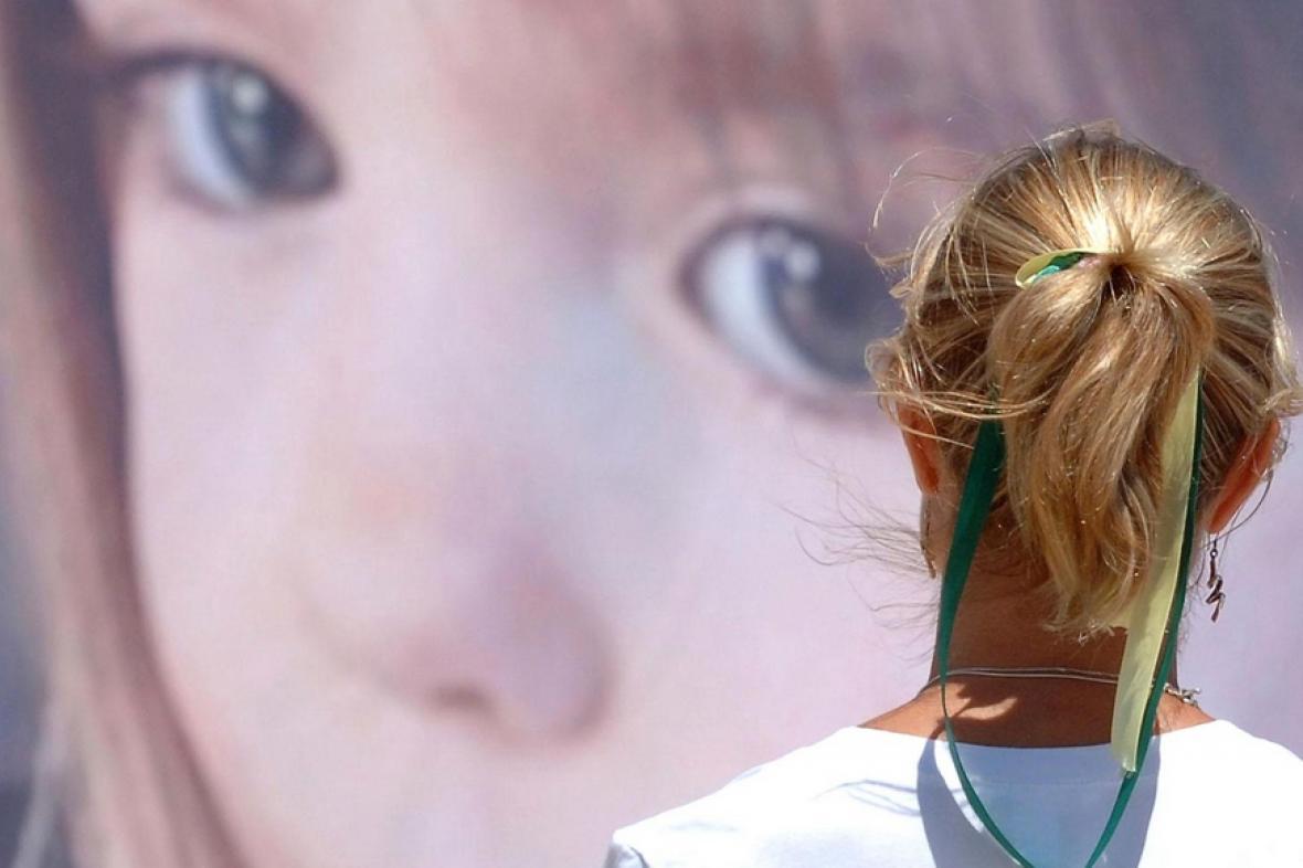 Kate McCannová před fotkou pohřešované dcery