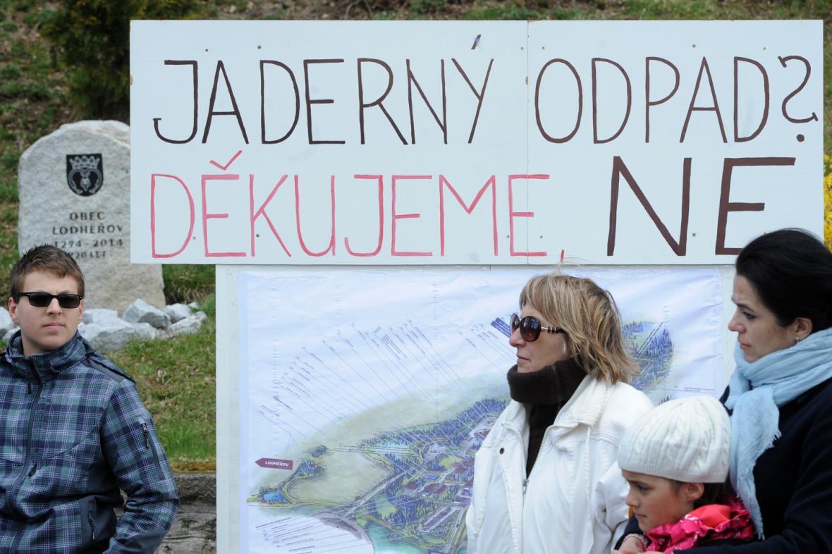 Protest během Dne proti úložišti v Lodhéřově na Jindřichohradecku