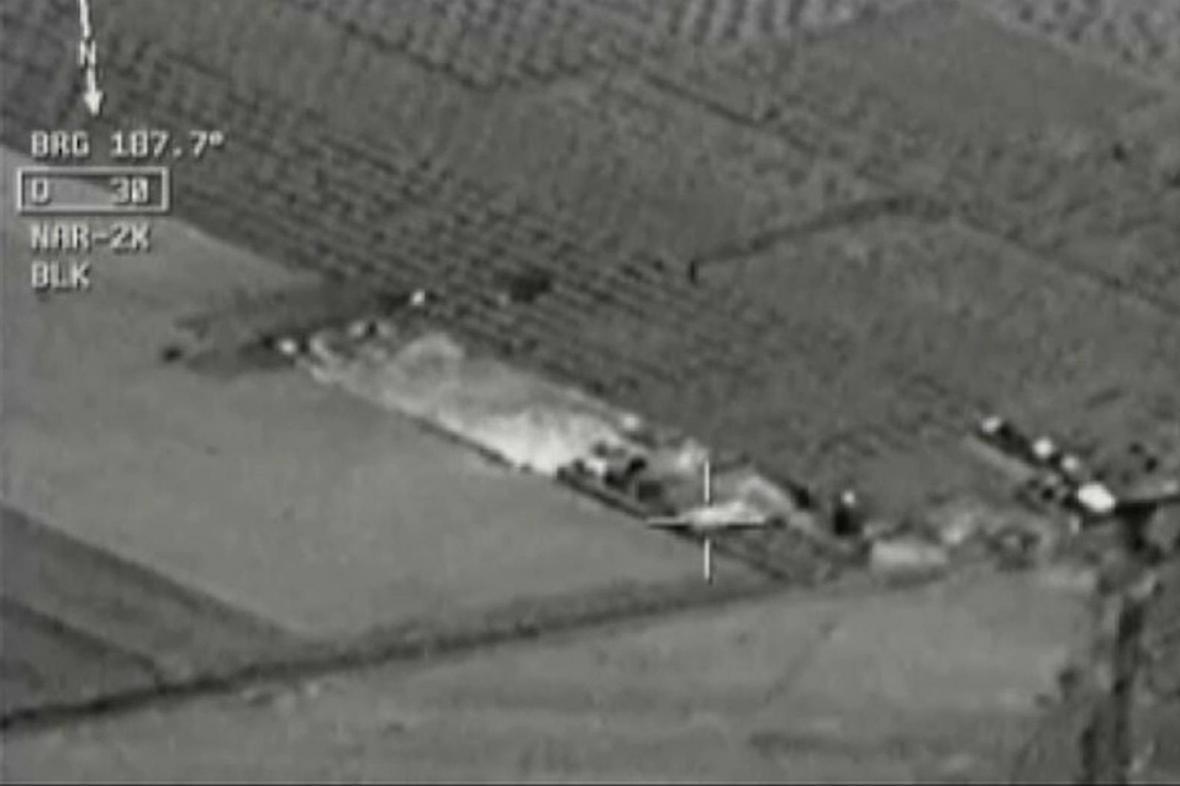 Turecké letectvo bombarduje pozice IS v Sýrii
