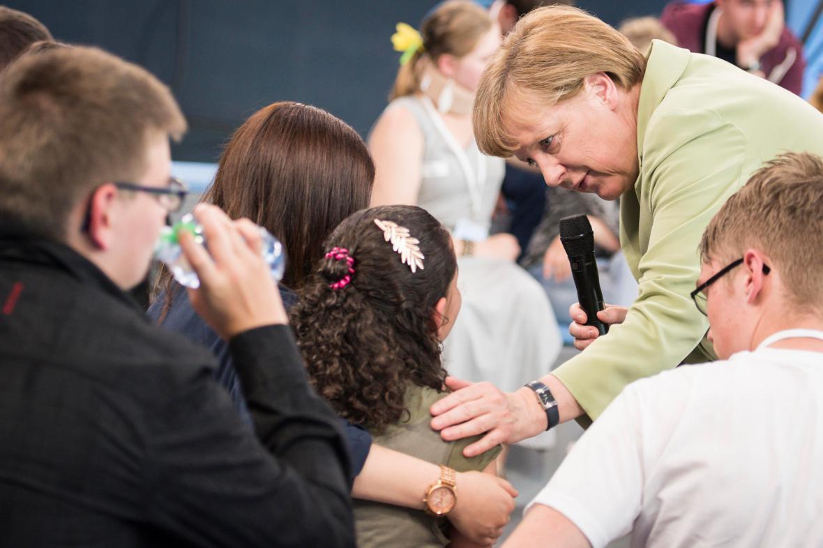 Angela Merkelová na setkání s uprchlíky