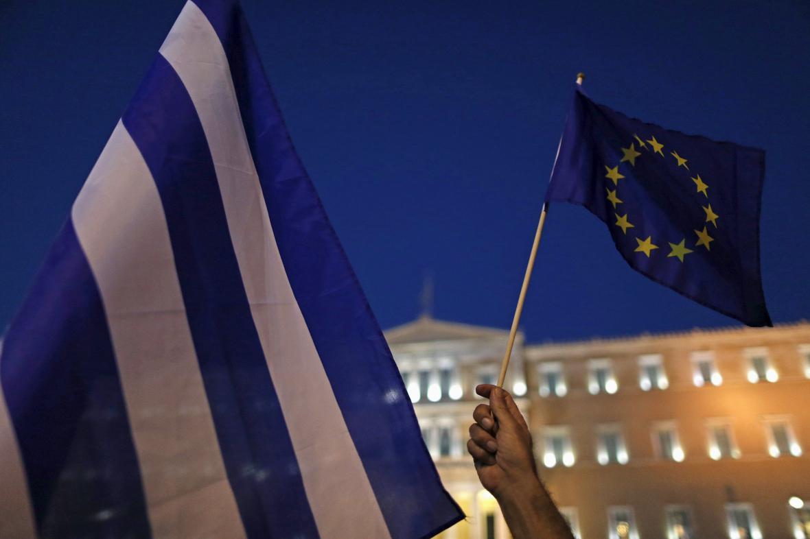 Demonstrace na podporu eura v centru řecké metropole