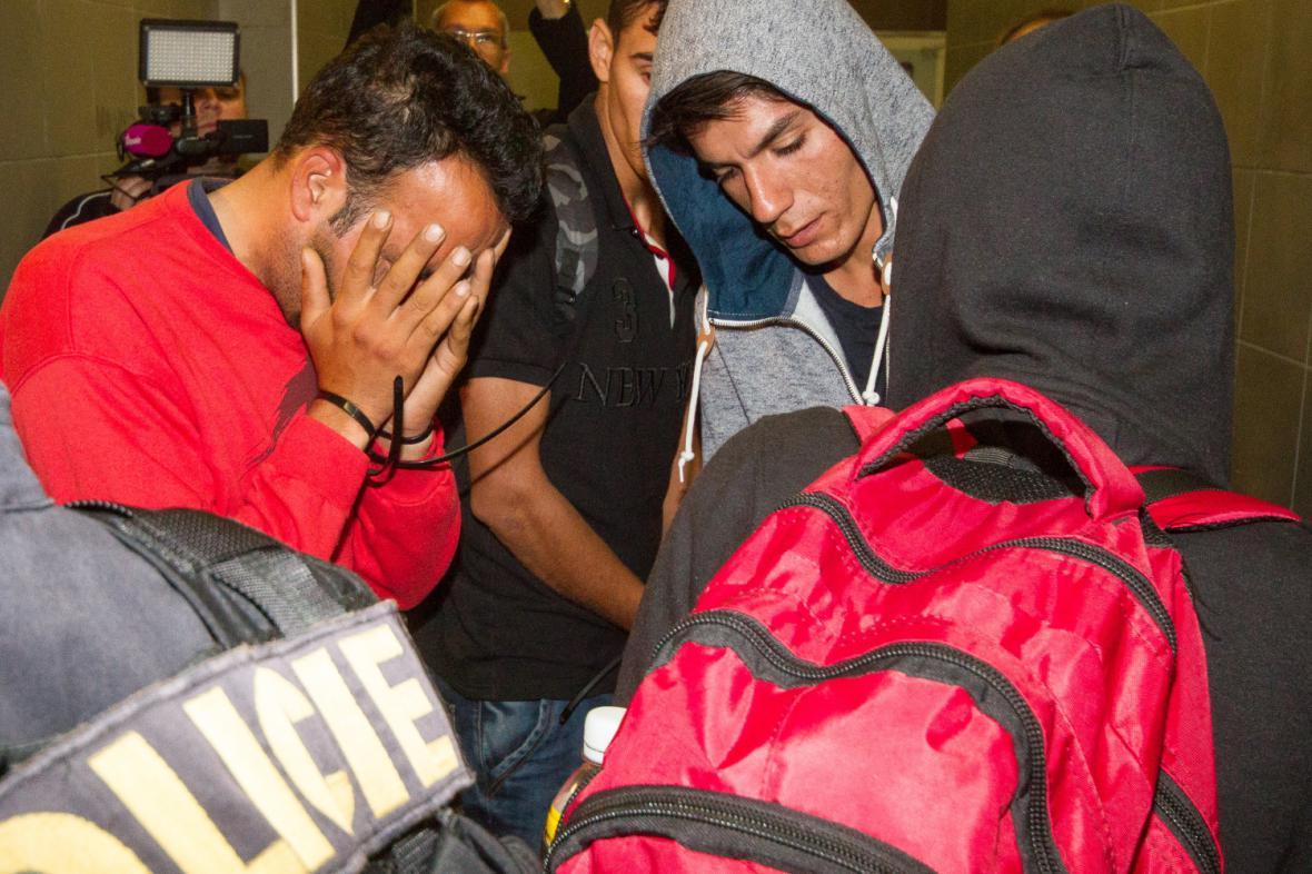 Cizinecká policie provádí kontroly kvůli uprchlíkům
