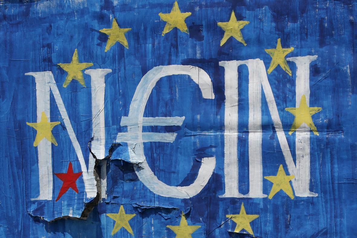 Graffiti v Aténách říká euru