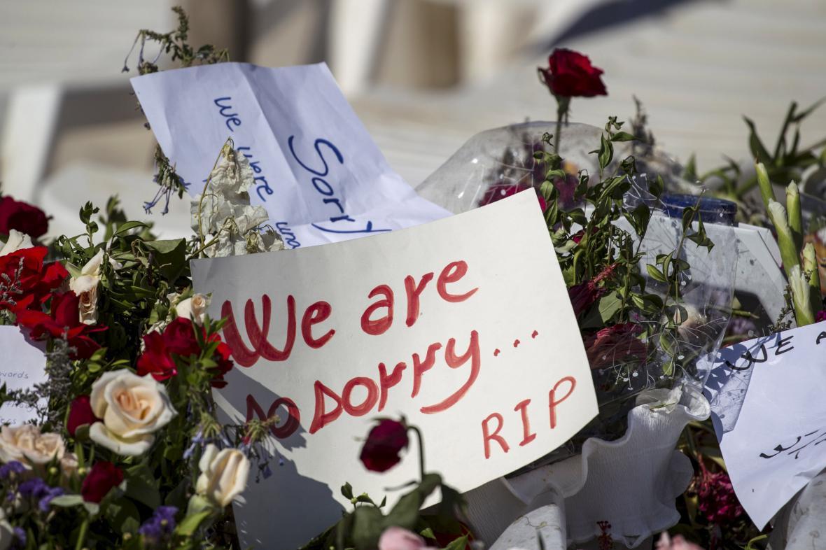 Uctění památky obětí páteční střelby v Tunisku