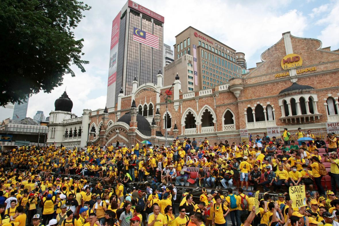 V Malajsii pokračují masové protesty proti premiérovi