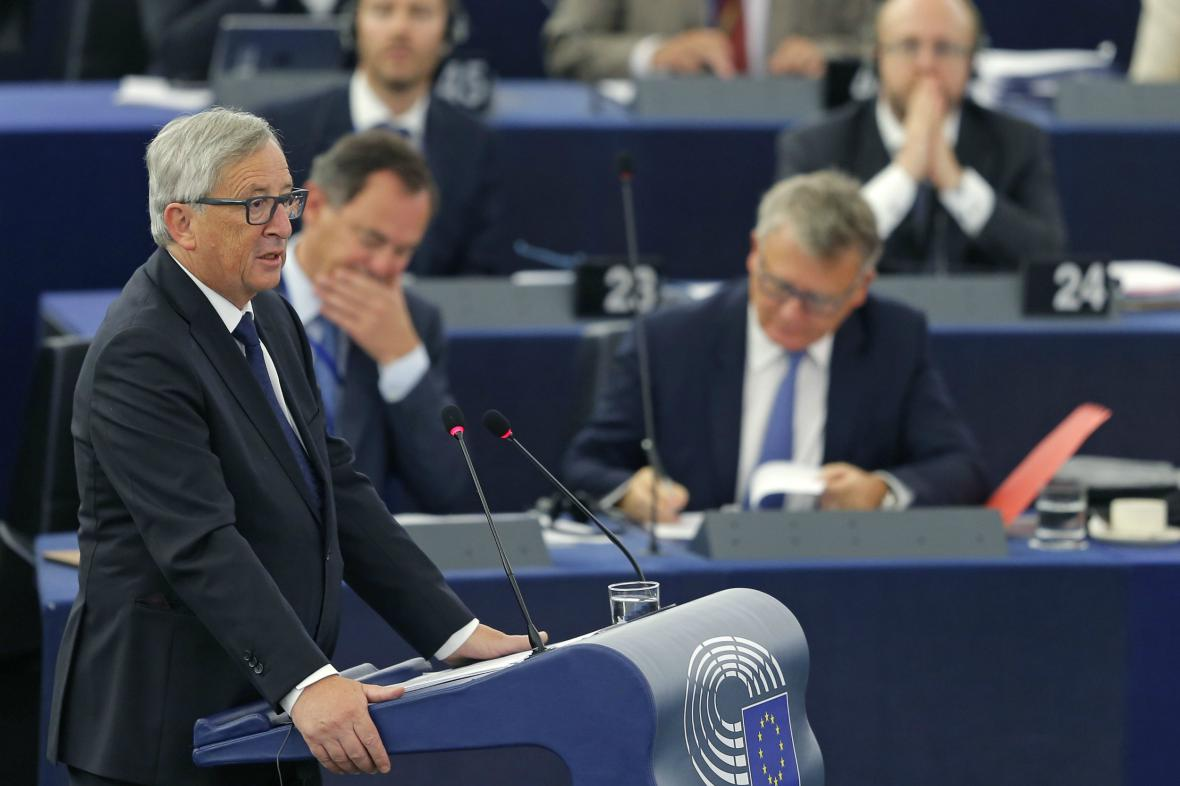 Jean-Claude Juncker představil návrh Komise k řešení uprchlické krize