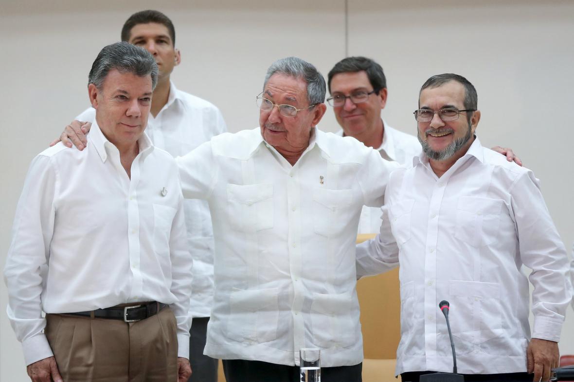 Juan Manuel Santos, Raúl Castro a Timočenko