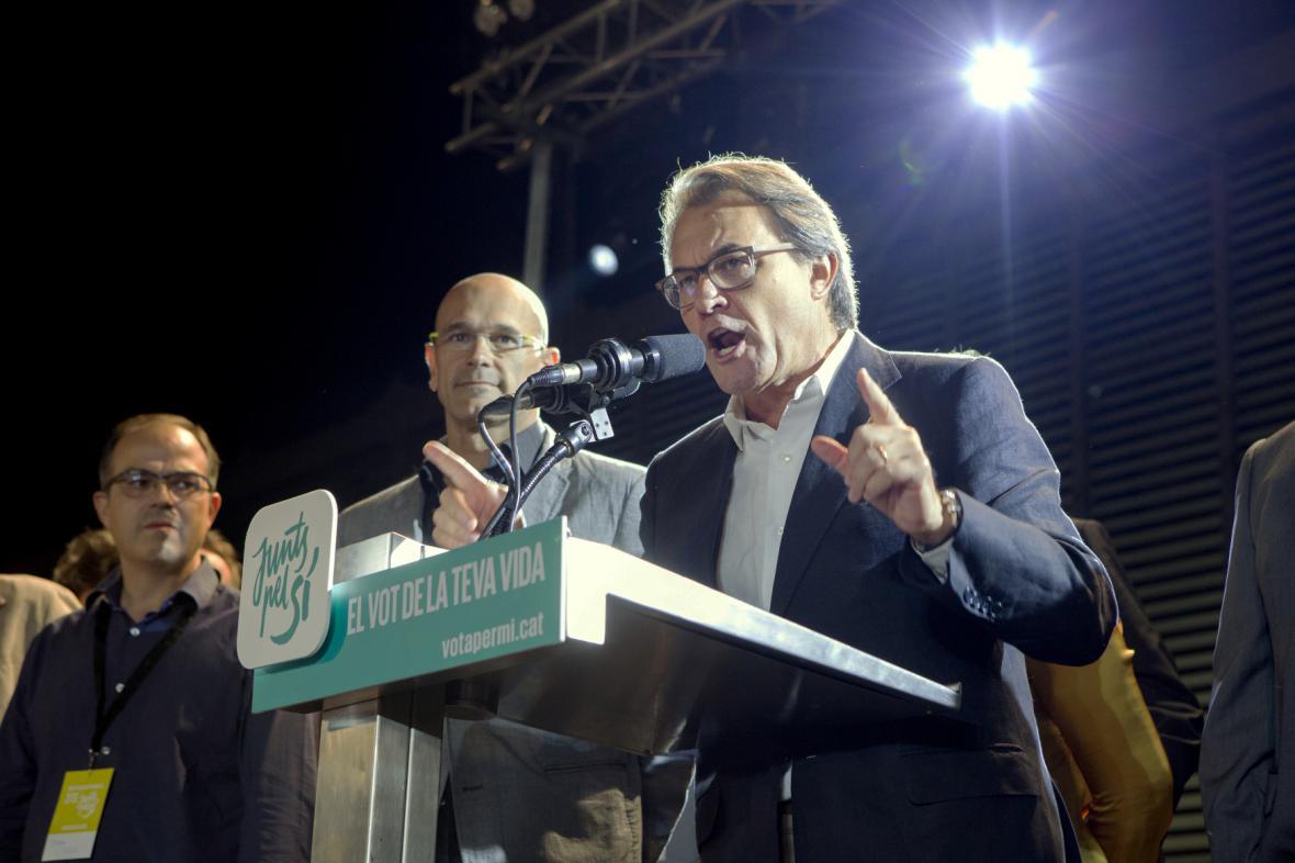 Staronový šéf katalánské vlády Artur Mas