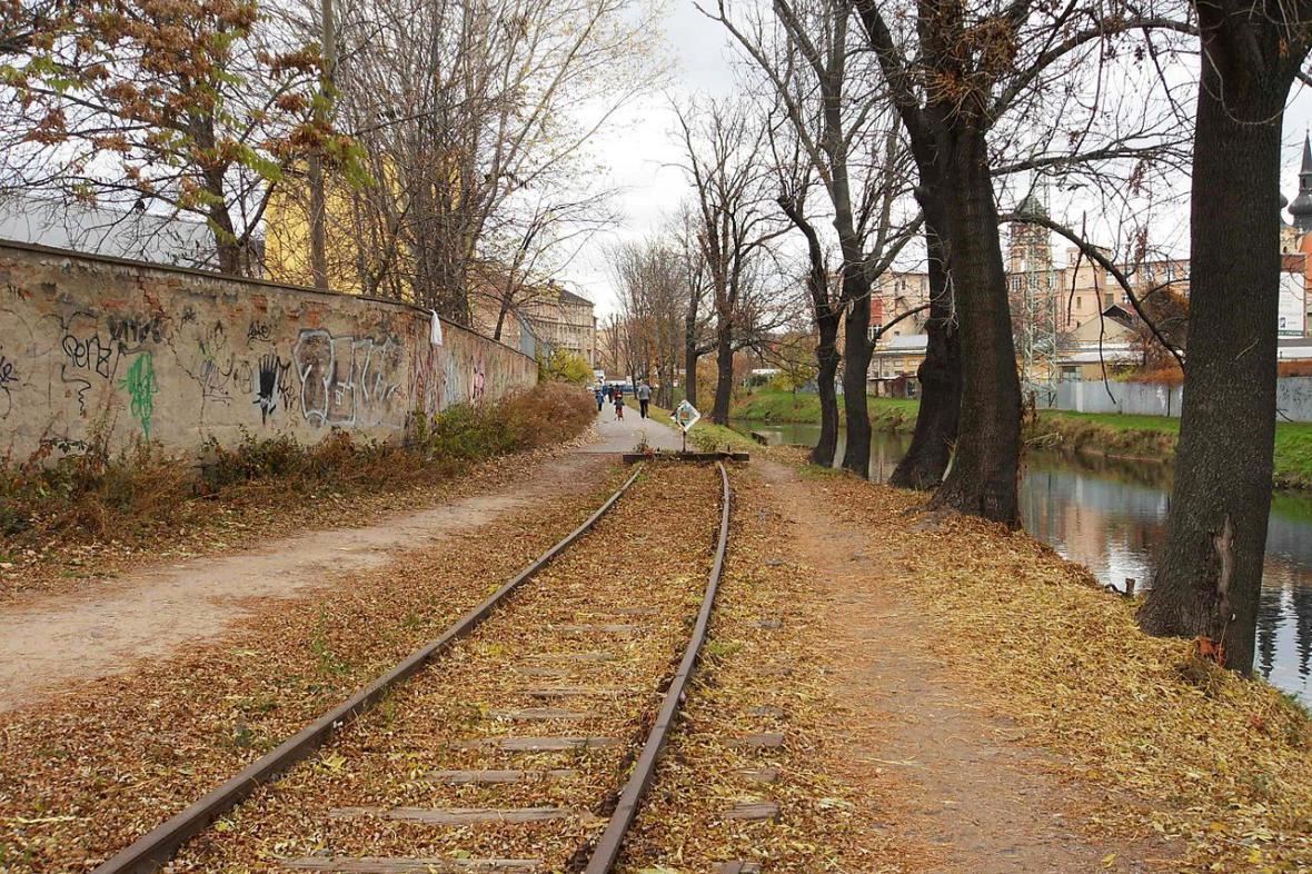 Koncový úsek Svitavské pobřežní dráhy v Zábrdovicích jakožto zbytek původní tratě do Tišnova