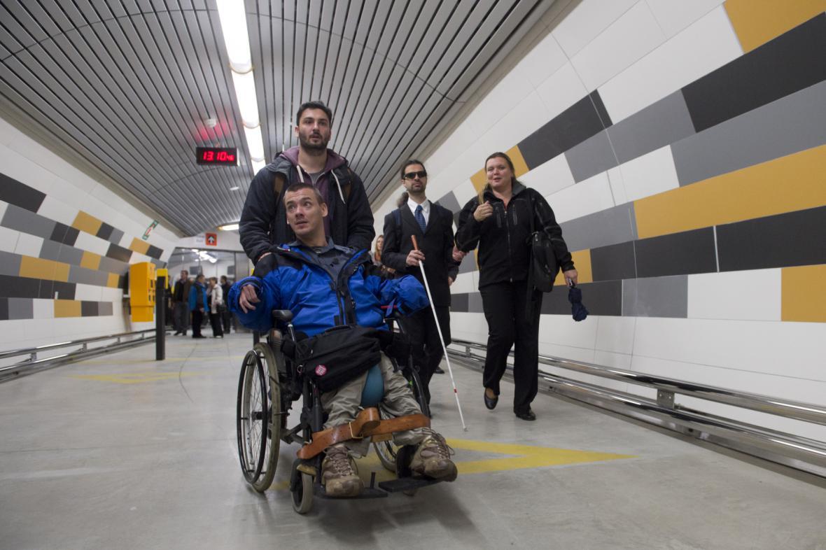 Stanice metra Anděl je nově bezbariérová