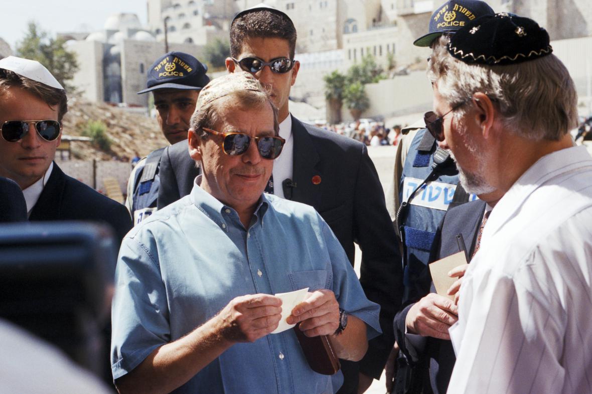 Václav Havel při návštěvě Jeruzaléma (archivní foto)