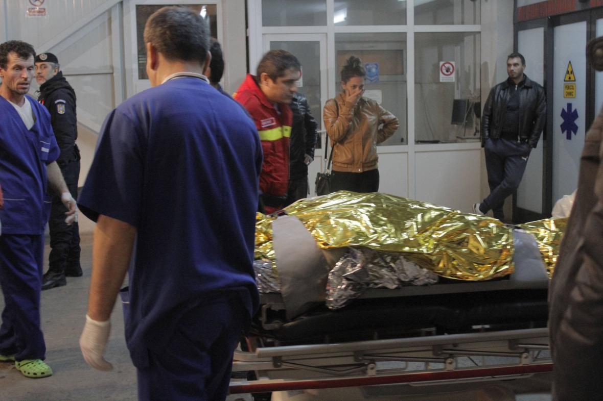 V bukurešťském klubu zemřelo nejméně 27 lidí