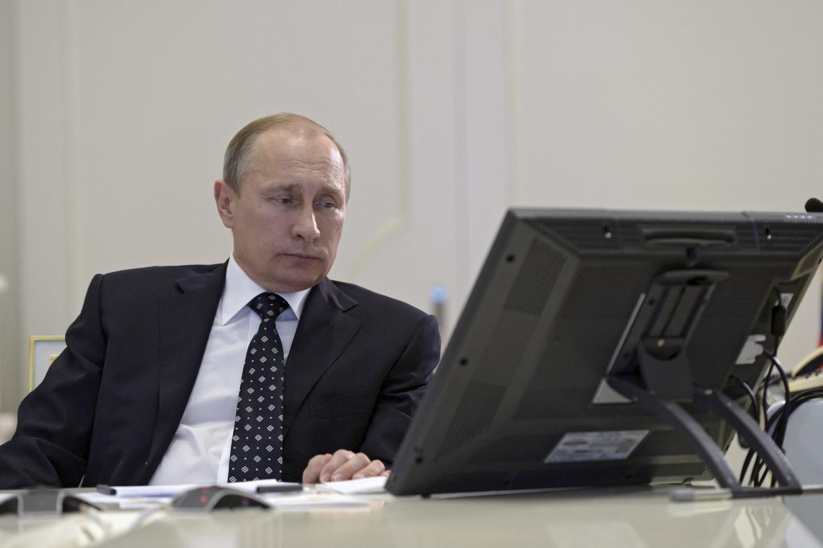 Ruský prezident během videokonference