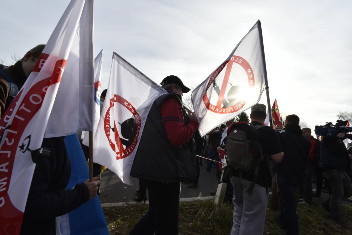 Demonstrace za obnovení hraničních kontrol