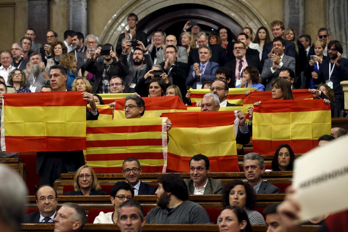 Katalánský parlament odhlasoval rezoluci požadující nezávislost