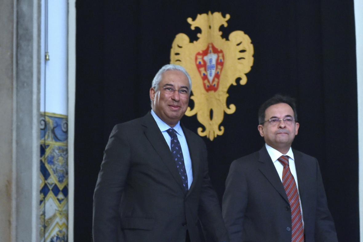 Čerstvý premiér António Costa (vlevo) s prezidentem Silvou