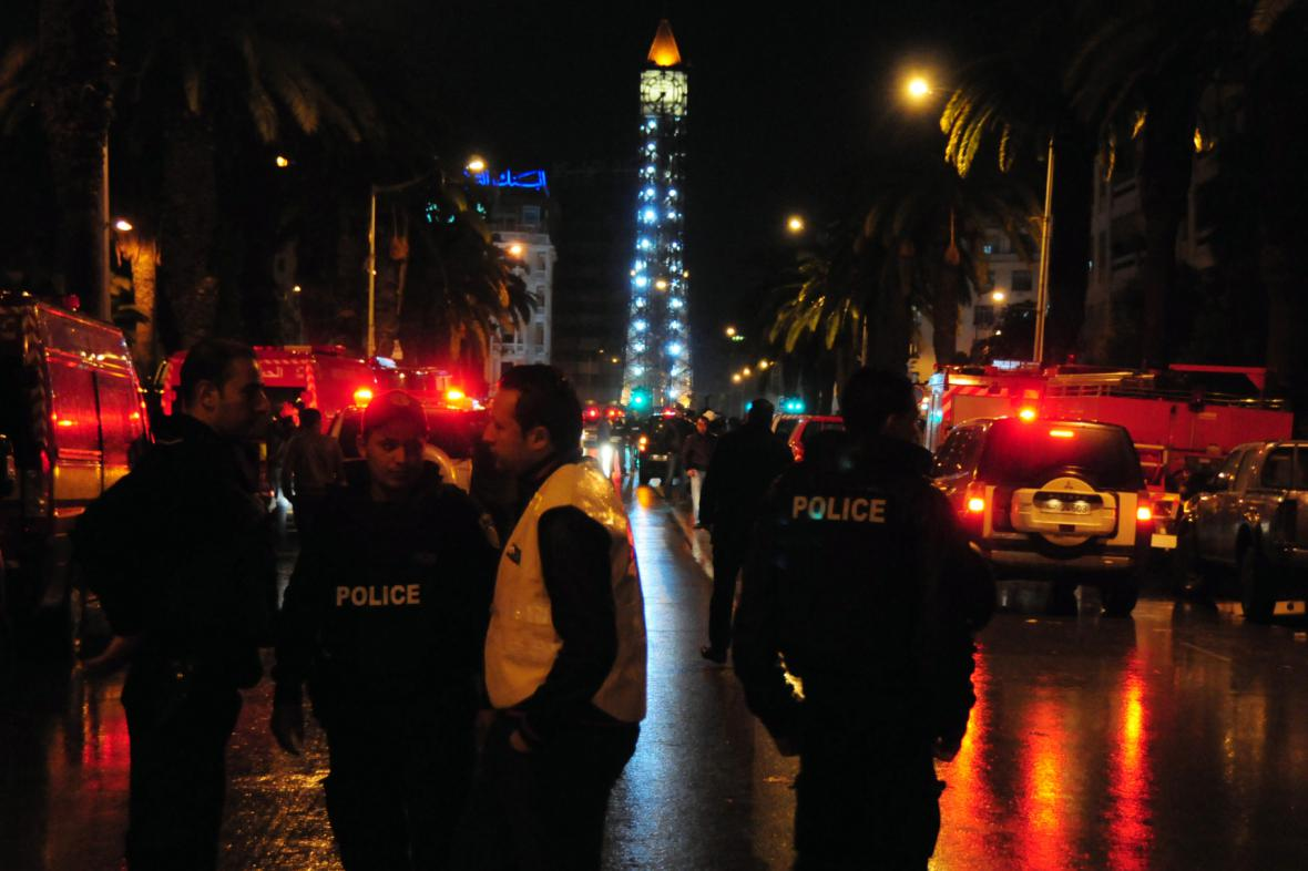 Policie v ulicích Tunisu