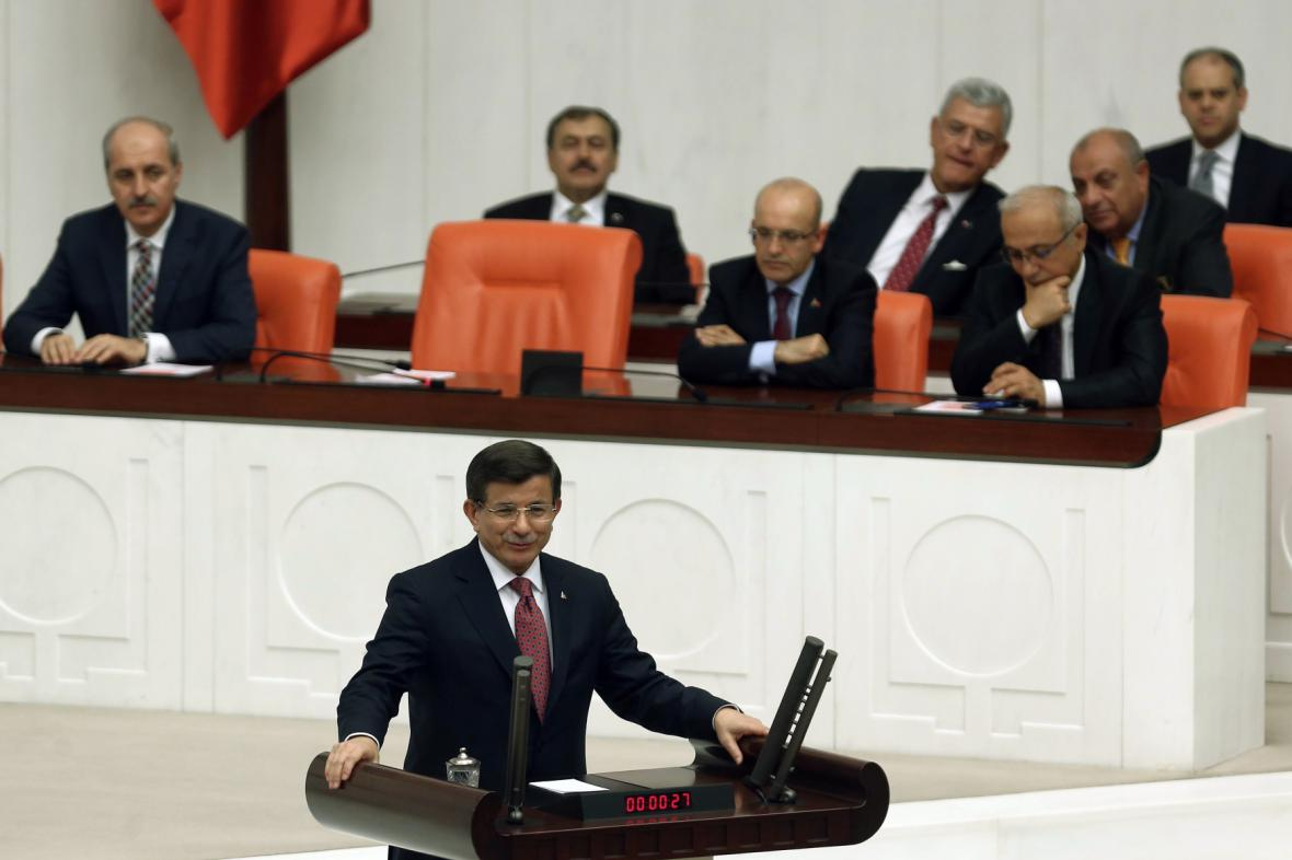 Turecký premiér při tiskové konferenci