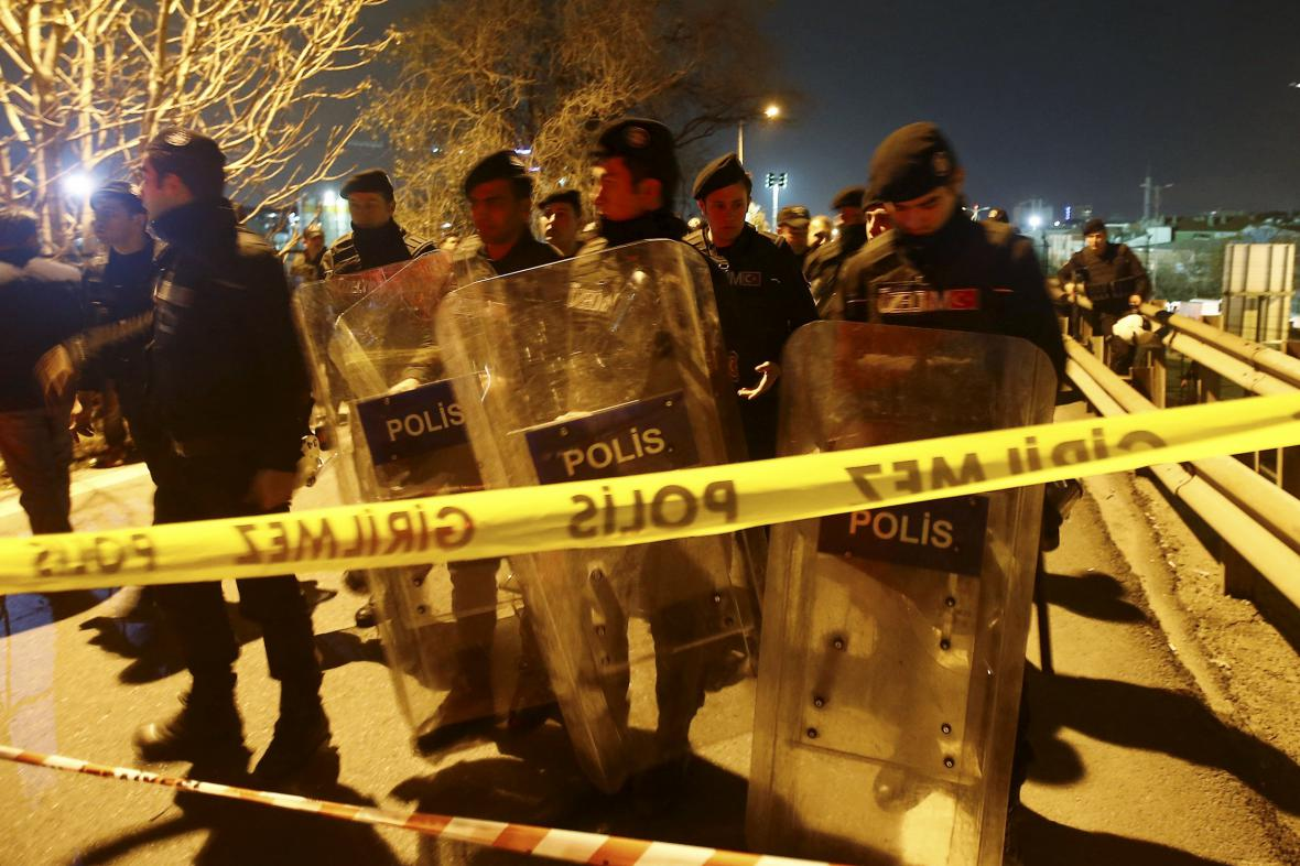 Policie u místa výbuchu v Istanbulu