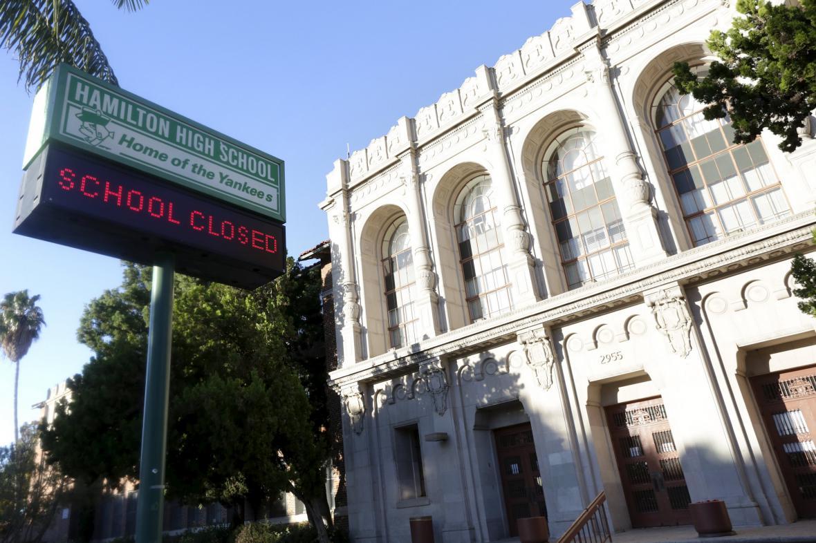 Zavřená škola v Los Angeles