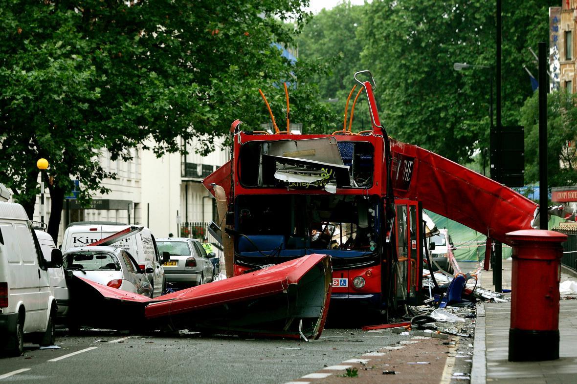 Bombové útoky v londýnské hromadné dopravě v roce 2005