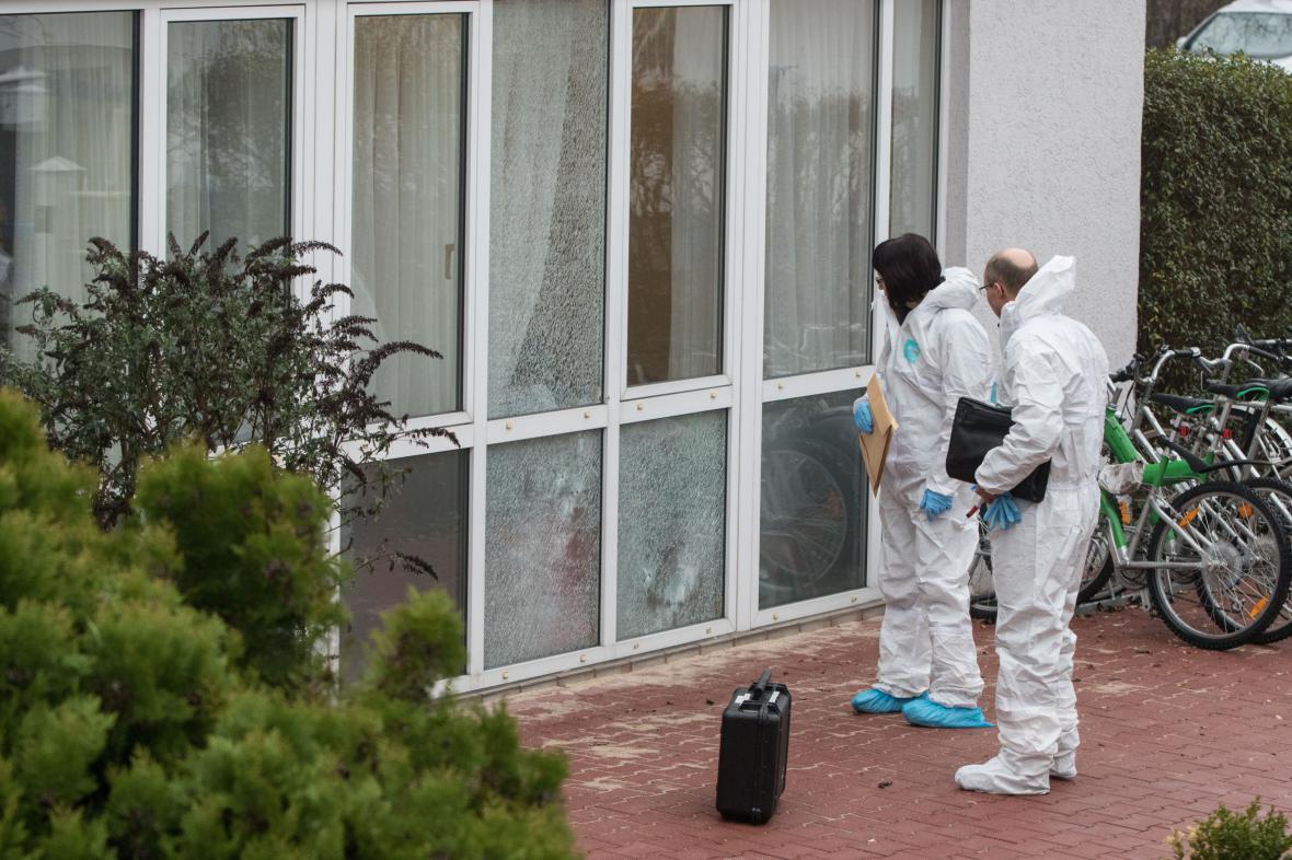 Vyšetřování střelby na ubytovnu pro azylanty