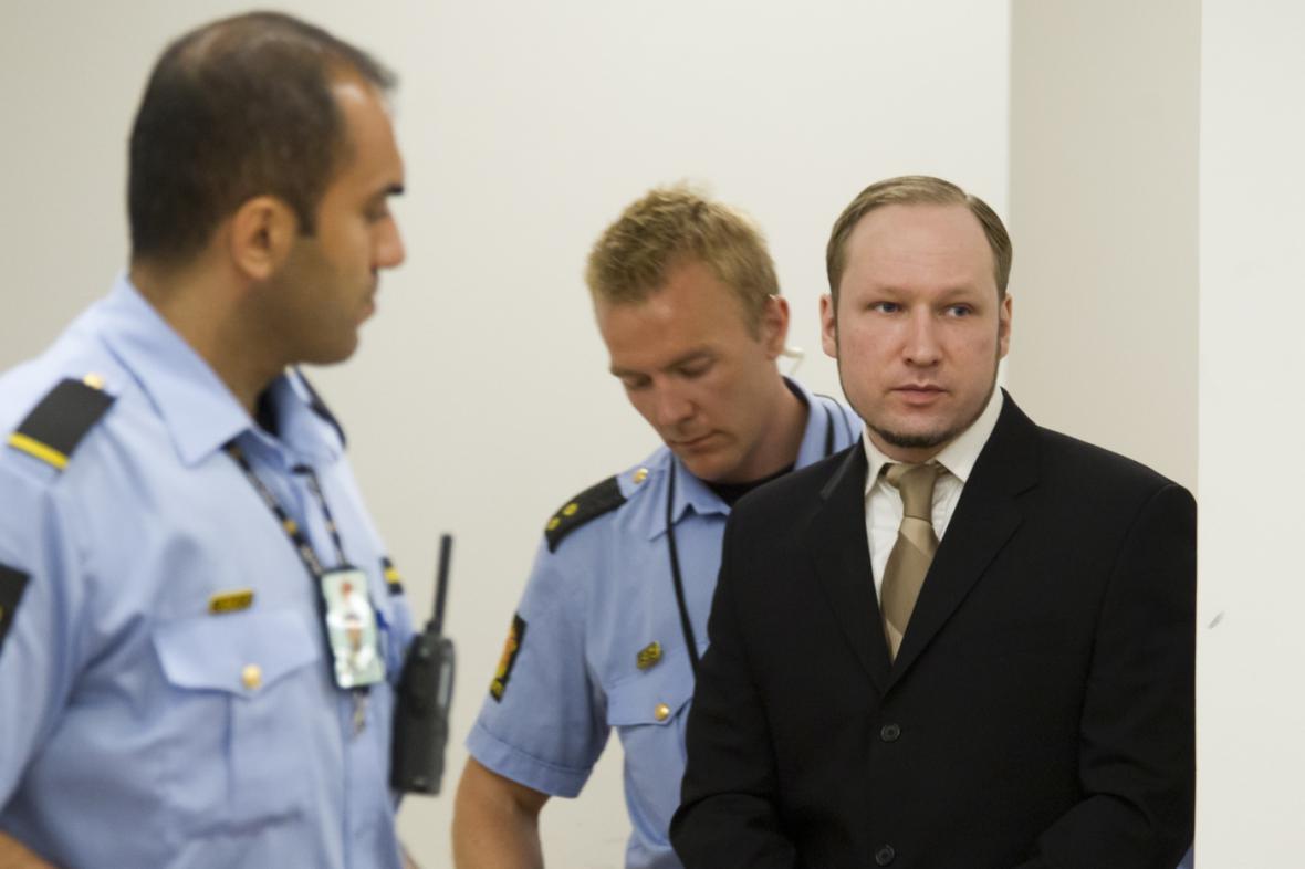 Anders Breivik u soudu v květnu 2012