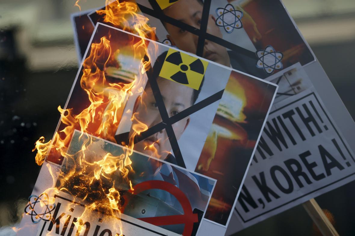 Protesty proti severokorejskému režimu v Soulu