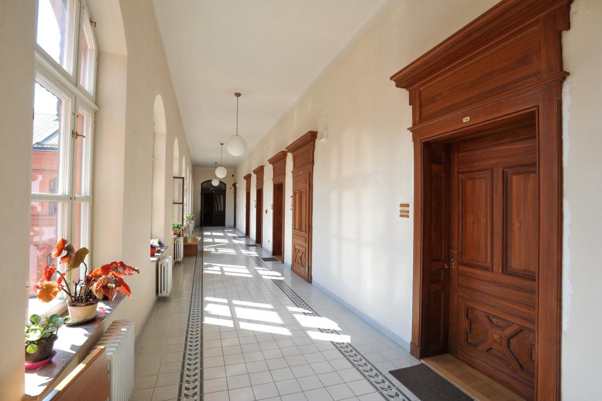 Odposlech v budově Krajského soudu v Brně