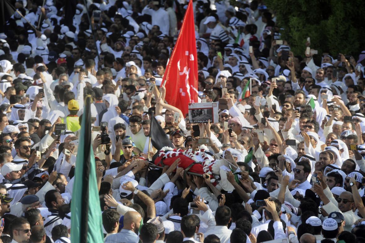Pohřeb obětí útoku na kuvajtskou mešitu