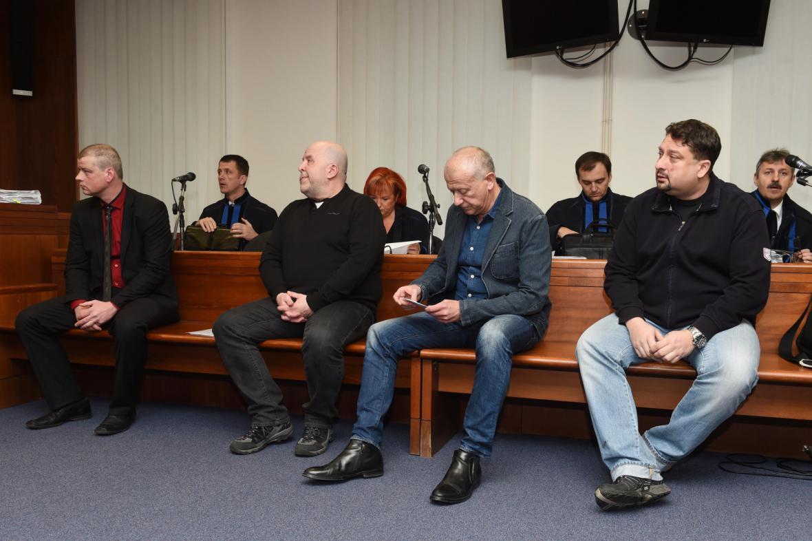 Aktéři metanolové kauzy u Vrchního soudu v Olomouci