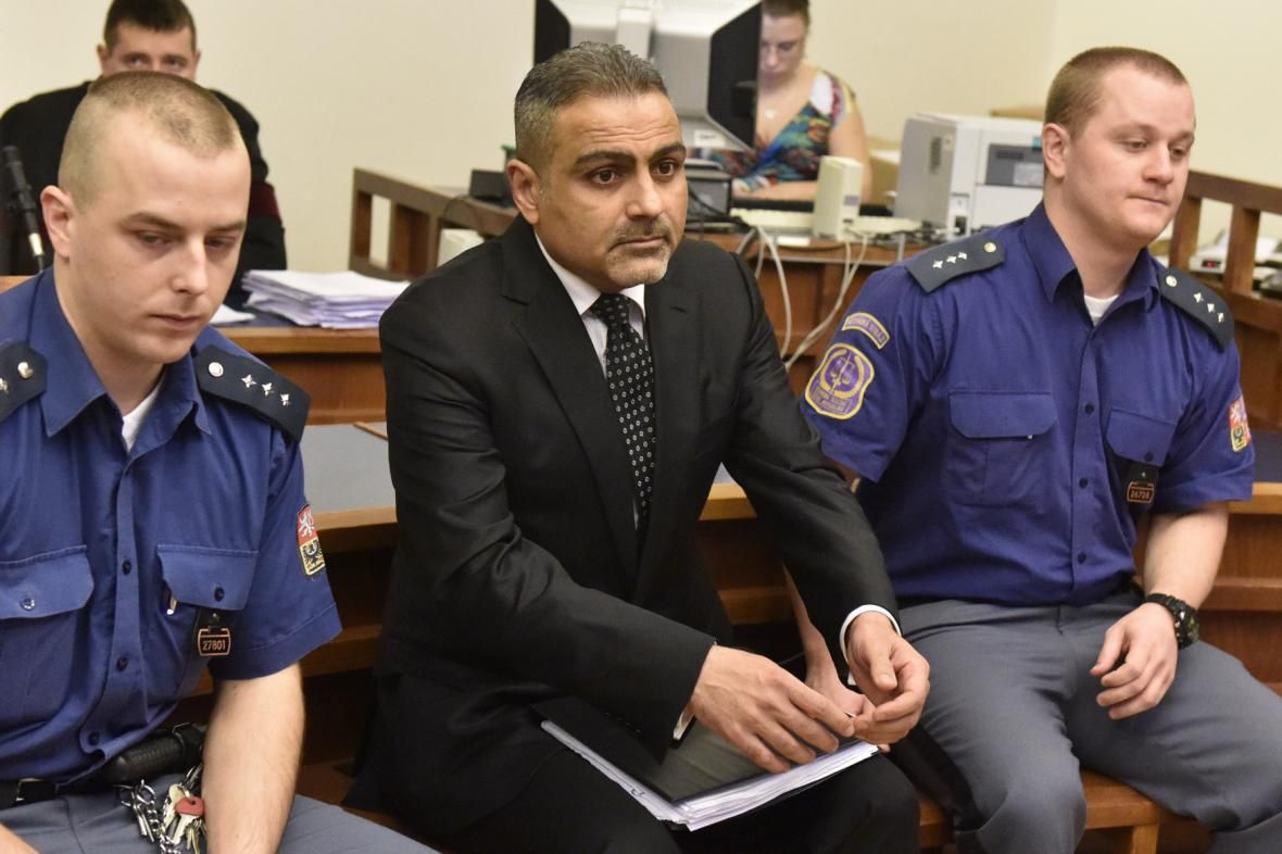 Abdullah Zadech poslal soudu obří kauci