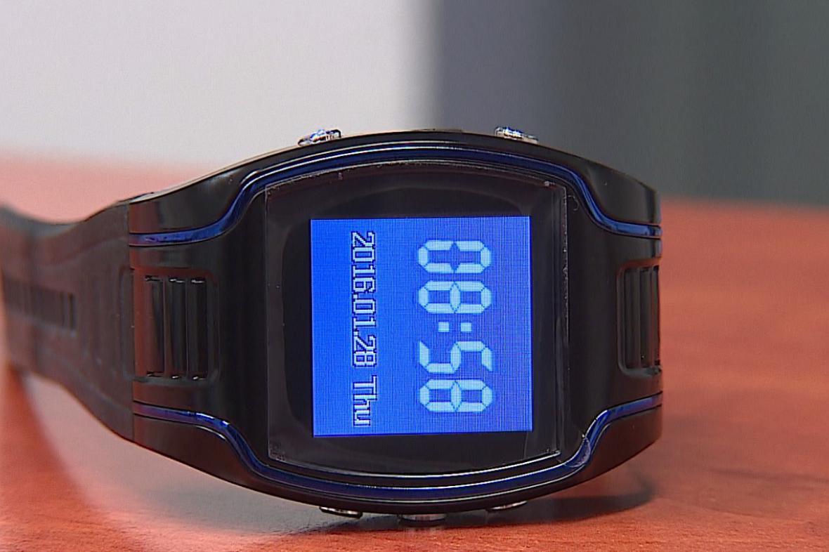 SOS hodinky pro seniory