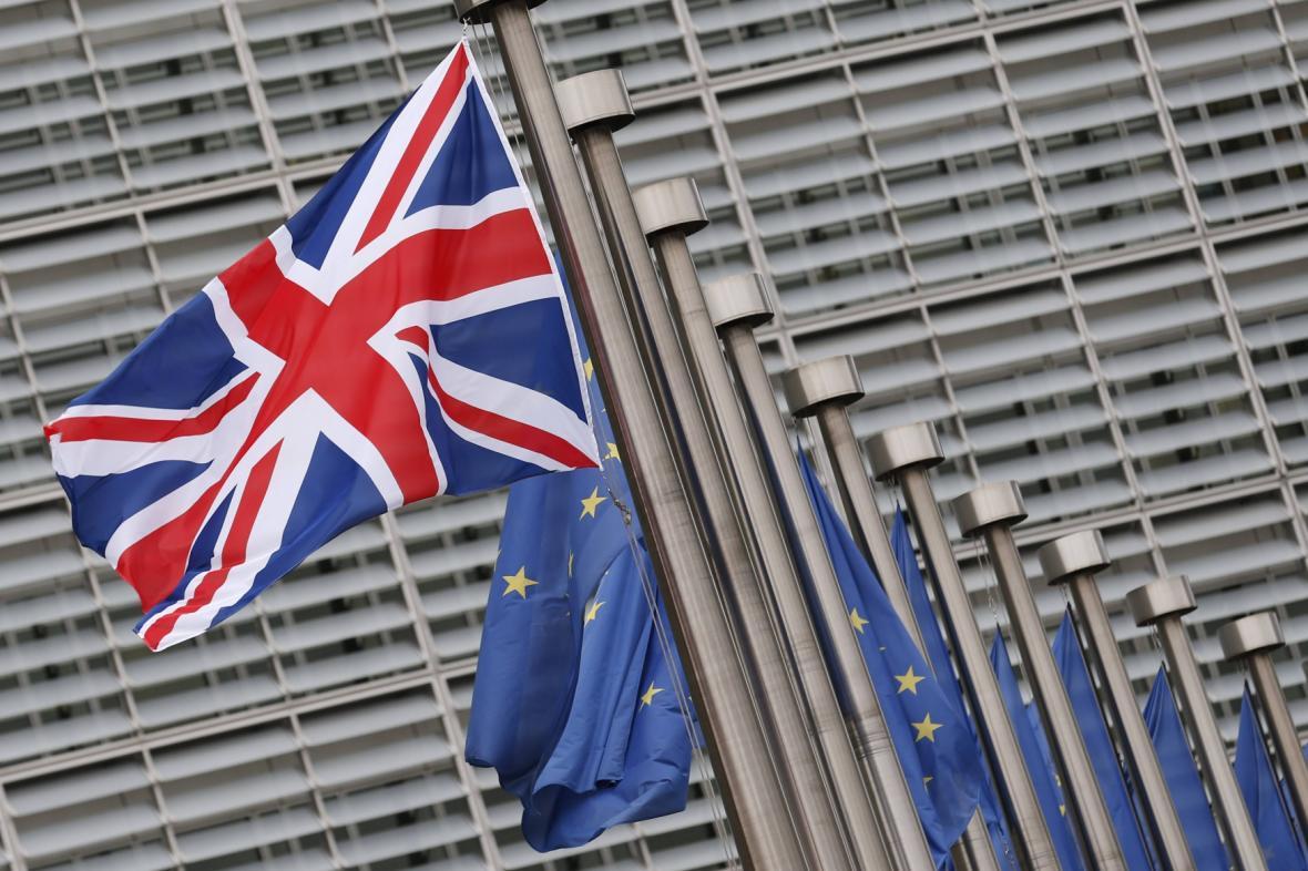 Brusel jedná o osudu Británie i členské osmadvacítky