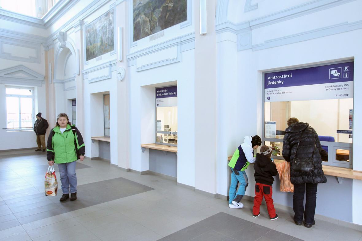 Nově opravené nádraží v Turnově