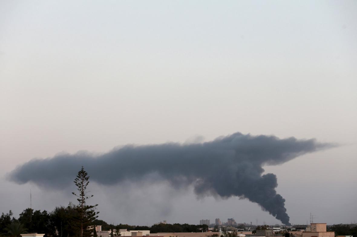 Kouř nad libyjským Benghází