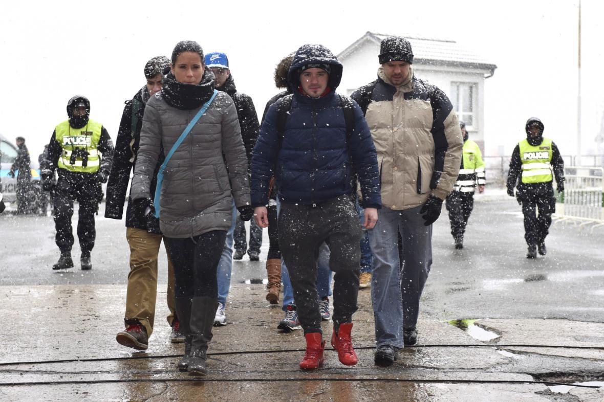 Policisté na hranicích s Rakouskem cvičí příchod migrantů