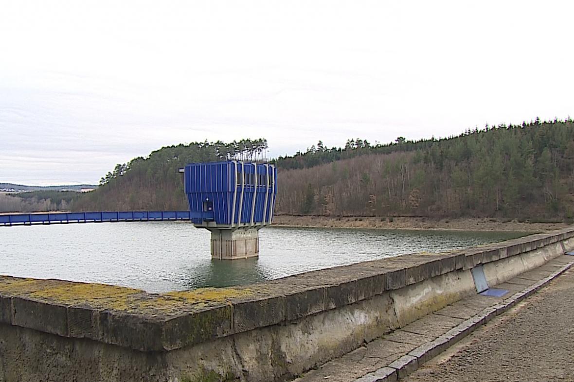 Hráz Opatovické přehrady bude přístupná zatím jen čtyři dny