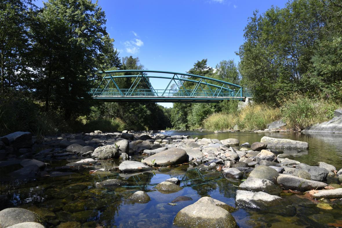 Rožnovskou Bečvu musí silničáři posunout o 15 metrů