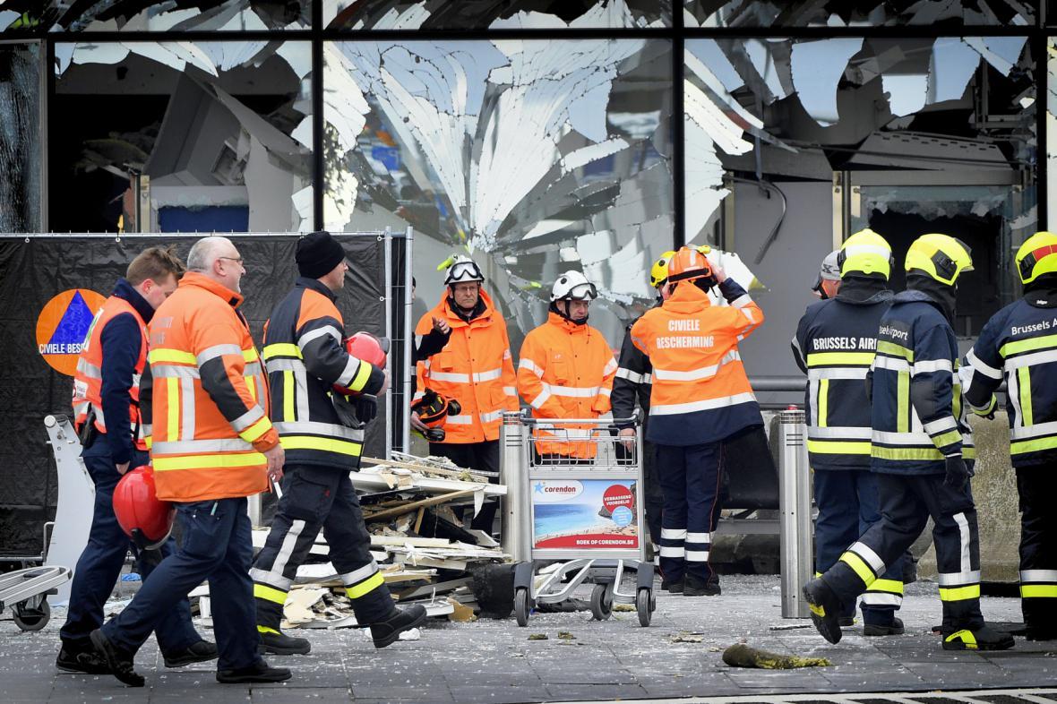 Bruselské letiště Zaventem po úterních explozích