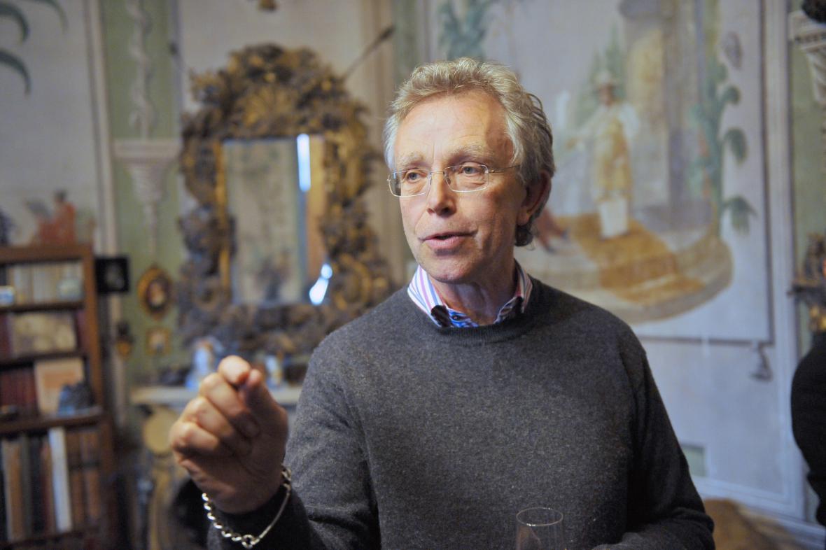 John Mucha – vnuk Alfonse Muchy