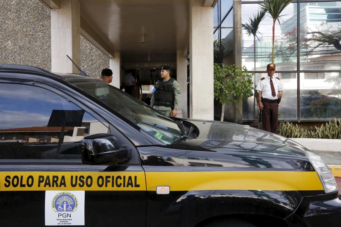 Policie u centrály Panama Papers