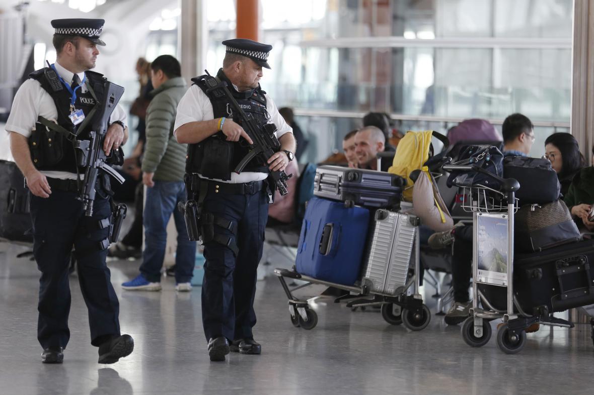 Ostraha na letištích
