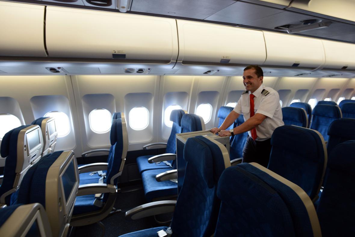 Lidé v letadlech už budou moci sledovat třeba internetovou televizi