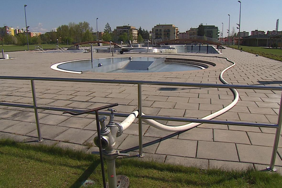Venkovní bazény ve Znojmě se plavcům otevřou už za 14 dnů