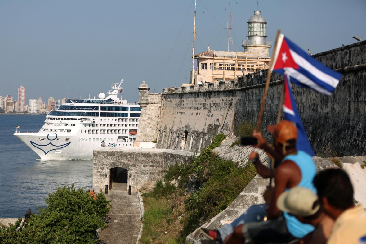 Kubánci vyhlížejí Adonii