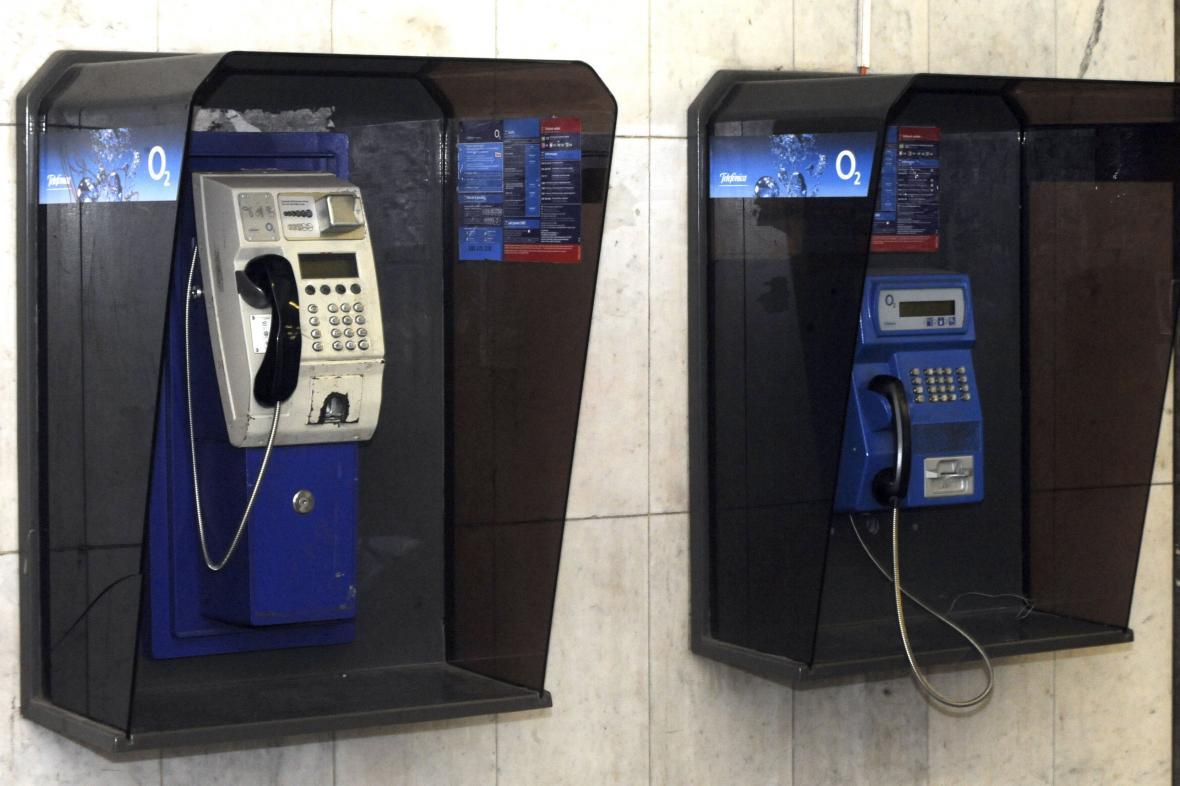 Telefonních automatů je v Česku necelých 10 tisíc